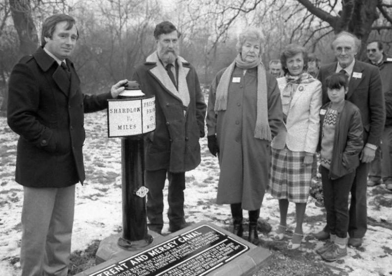 10 Unveiling new Milepost -1.5/93.5 at Derwent Mouth 20-1-1985