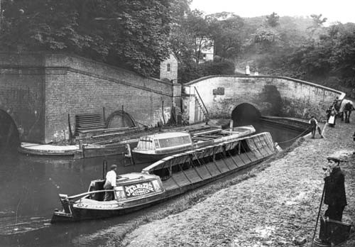 4 Horse Boat at Harecastle Tunnel